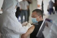 Tiêm vắc-xin là cách giúp phòng, ngừa Covid-19 lâu dài