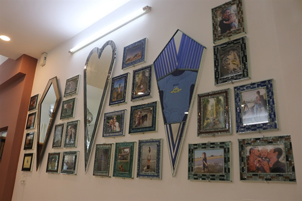 US expat usesdiscarded glass to make beautiful artworks