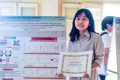 Hanoi student creates material that adsorbs antibiotics in wastewater