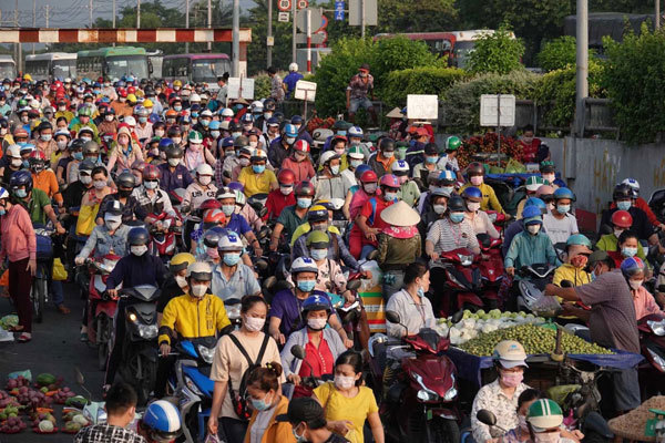 More than 1,100 workers stopped working due to F1 case in Pouyuen Vietnam