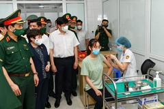 Việt Nam chính thức thử nghiệm giai đoạn 3 vắc xin Nanocovax