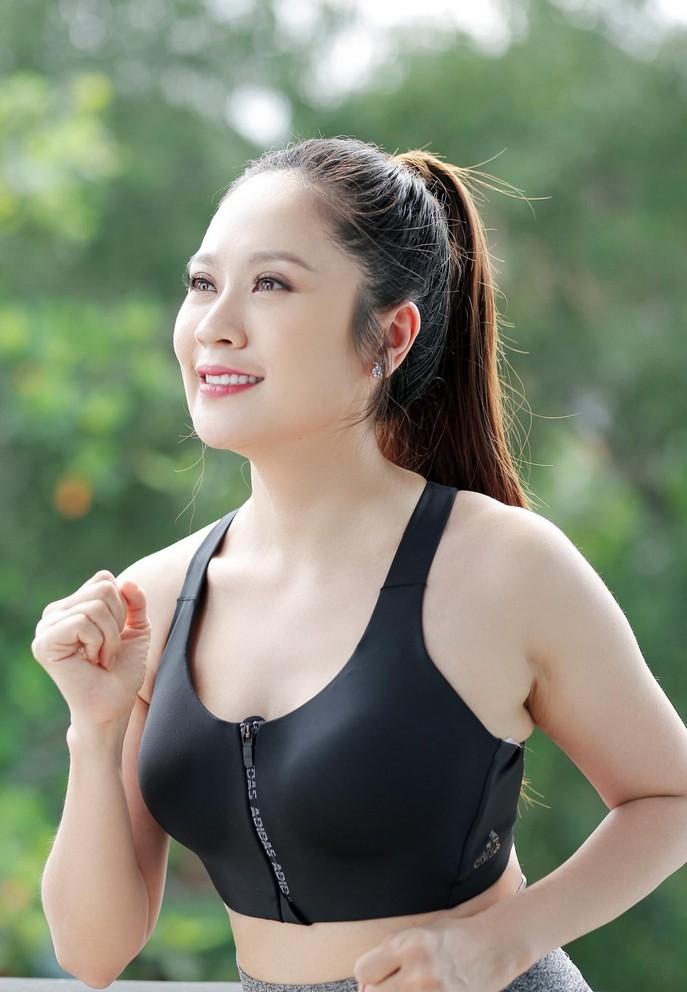 Hoa hậu Đặng Thu Thảo viên mãn bên chồng đại gia và 2 con