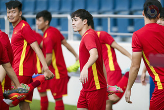Tuyển Việt Nam đấu Malaysia: Tuấn Anh làm khán giả