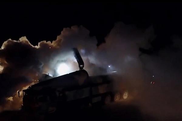 Trung Quốc diễn tập bắn 'sát thủ tàu sân bay' trong đêm