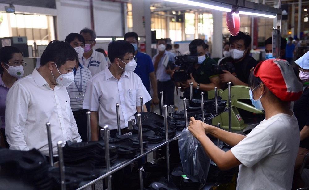 TP.HCM kiến nghị Thủ tướng nhiều giải pháp duy trì sản xuất trong đại dịch