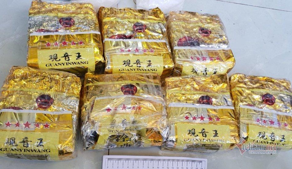 Nhóm người thuê nhà giấu 10kg ma túy, thủ cả lựu đạn và súng ở Bình Dương