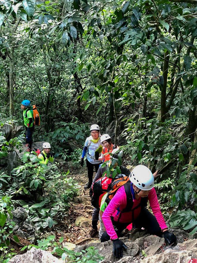 Hang động 1.000 khối thạch nhũ đẹp nhất Phong Nha - Kẻ Bàng