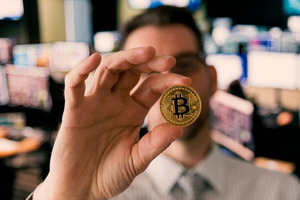 Vietnamese earn over VND9 trillion profit from cryptocurrencies in 2020