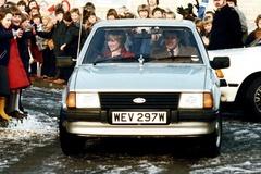 Chiếc xe Ford của Công nương Diana được bán đấu giá