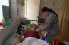 Cha tai nạn chưa biết sống chết, con 4 tuổi bại não khóc không ngừng