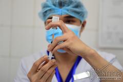 Hà Nội: Quận, huyện phải chấn chỉnh việc ra văn bản về trả phí tiêm vắc xin