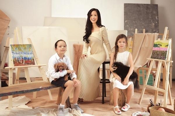 Diva Hồng Nhung tuổi 51: Làm mẹ đơn thân, sống an yên bên hai con