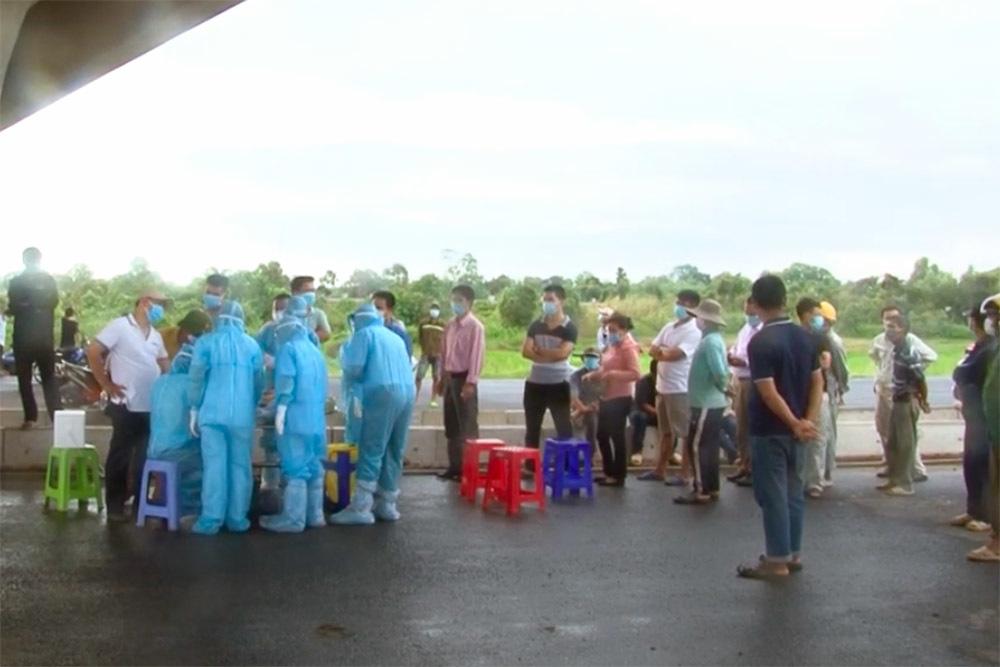 Xét nghiệm Covid-19 toàn bộ công nhân cao tốc Trung Lương - Mỹ Thuận