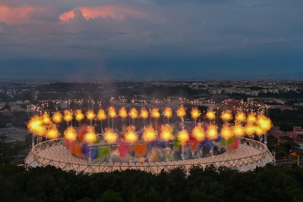 Những khoảnh khắc rực cháy trong lễ khai mạc EURO 2020