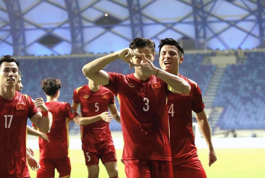 FIFA chúc tuyển Việt Nam đứng đầu bảng G