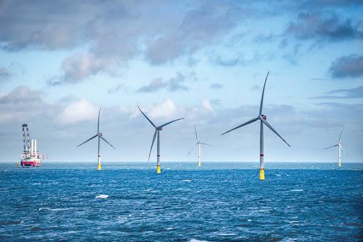 Tham vọng vươn ra biển Đông, dựng cột đón nguồn điện vô tận