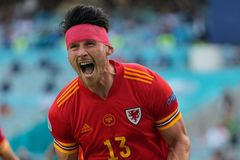 Xứ Wales giật lại 1 điểm từ tay Thụy Sĩ trận ra quân EURO