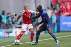 Đan Mạch 0-0 Phần Lan: Chủ nhà tiếp tục dồn ép (H1)