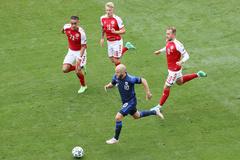 Đan Mạch 0-0 Phần Lan: Chủ nhà tiếp tục dồn ép (H2)
