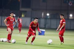 """Thầy Park """"gà bài"""" cho Quang Hải, Tuấn Anh khó đấu UAE"""