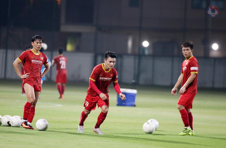 Thầy Park 'gà bài' cho Quang Hải, Tuấn Anh khó đấu UAE