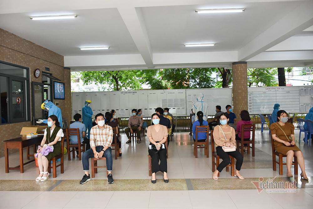 13.000 học sinh Đà Nẵng lấy mẫu xét nghiệm Covid-19 trước ngày thi lớp 10