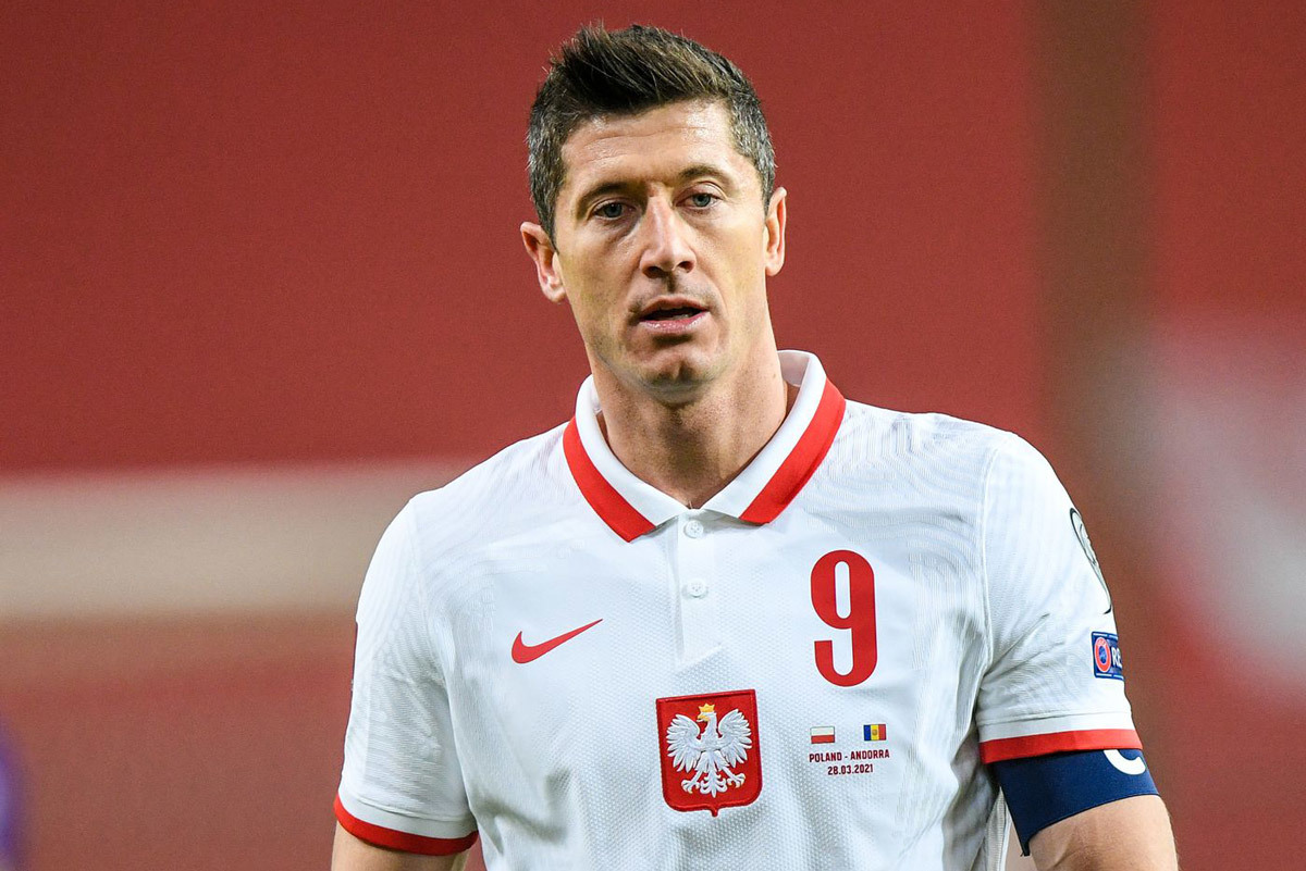 MU mua Mings, PSG muốn có Lewandowski