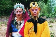 'Tôn Ngộ Không' Lục Tiểu Linh Đồng kỉ niệm 33 năm cưới bà xã là bạn diễn 'yêu quái'