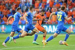 Hà Lan 0-0 Ukraine: Bùng cháy cùng cơn lốc cam (H1)