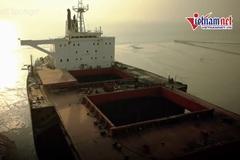'Địa ngục trần gian' bên trong nghĩa địa tàu Bangladesh