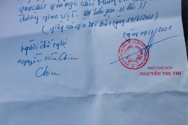 Bắc Ninh: Đình chỉ chủ tịch xã ký giấy cho dân đi chợ trong vùng dịch