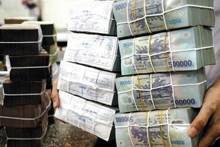 Bank deposit interest rates up, as stock market, real estate investing risky