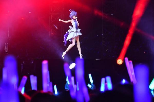Hàng trăm triệu người Trung Quốc đang theo dõi một ca sĩ không có thật