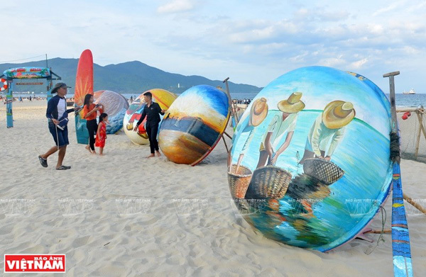 Vietnam tourism: My Khe beach among top 25 in Asia
