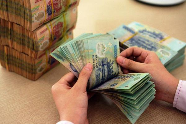 Cân lượng nhân viên và chi phí quản lý của 'big 4' ngân hàng Việt