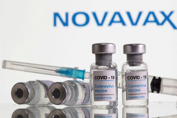 Mỹ có thêm một loại vắc xin hiệu quả 90%, ít phản ứng phụ