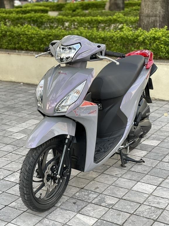 Honda Vision biển ngũ quý 9 giá hơn 400 triệu đồng tại Hà Nội