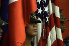 Philippines hoãn việc hủy thỏa thuận quân sự với Mỹ