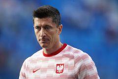 Ba Lan 0-1 Slovakia: Bất ngờ xảy ra (H1)