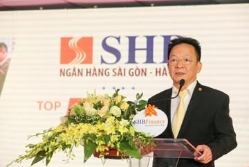 Ông lớn ngân hàng Việt trong tầm ngắm đại gia ngoại