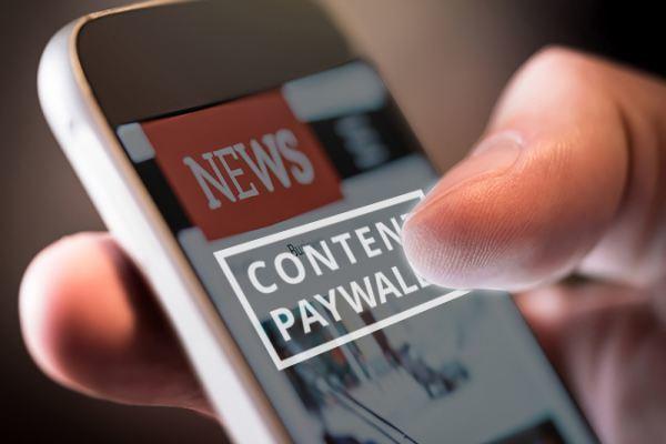 Thu phí đọc báo: Con đường của báo chí chuyên nghiệp