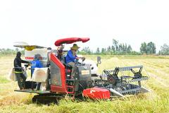Yanmar ra mắt giải pháp gặt lúa mới trong thời dịch Covid-19