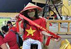 Việt Nam vs UAE: Fan cổ vũ thầy trò HLV Park Hang Seo