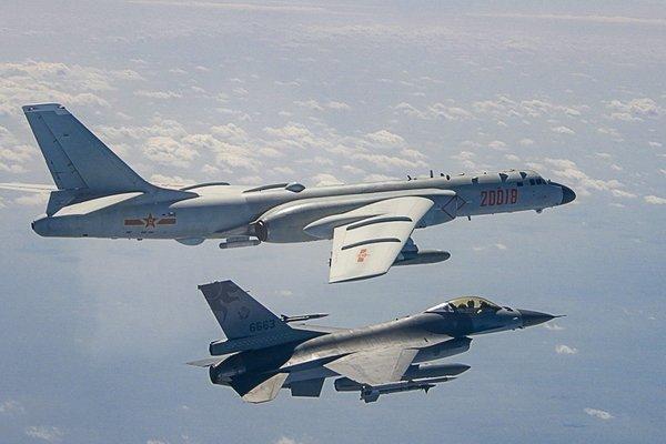 Không quân Trung Quốc tập trận 'lớn chưa từng thấy' gần Đài Loan