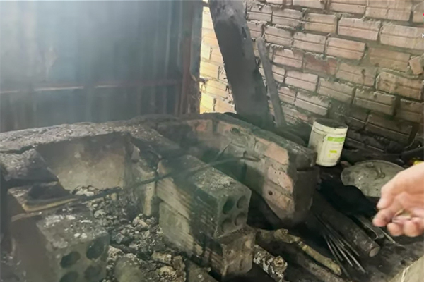 Những đồ vật cổ trong căn nhà xưa cũ của Lê Dương Bảo Lâm