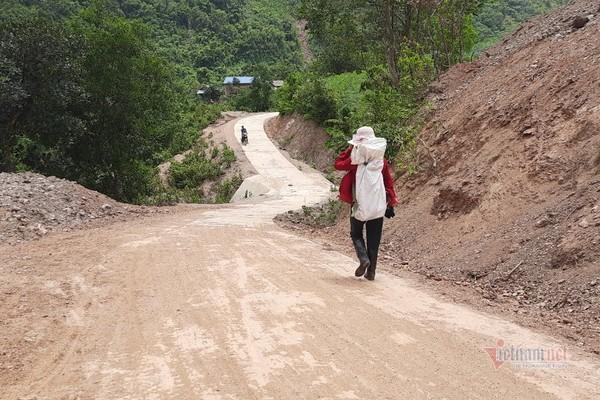 Người đàn ông chạy thận hiến 1.400m2 đất xây trường học