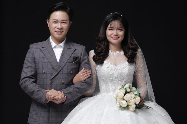 MC Lê Anh và cuộc hôn nhân hạnh phúc với cô giáo hiền dịu