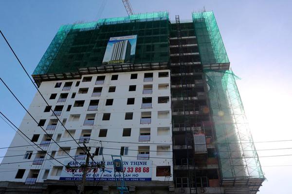 Chung cư được cấp phép 20 tầng, chủ đầu tư vẫn bán căn hộ đến tầng 26