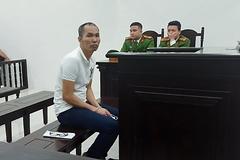 Kẻ đâm gục hai người tại nhà mình ở Hà Nội được giảm án
