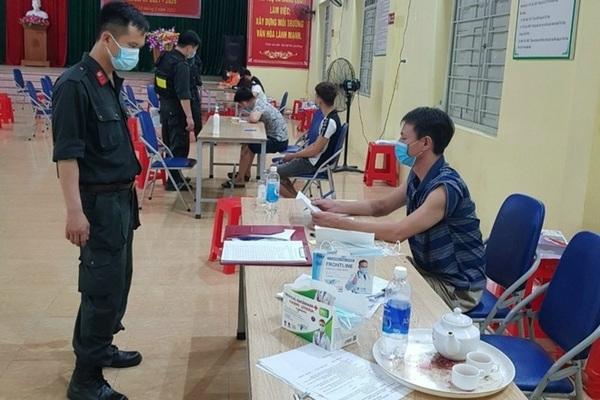 7 ngườitụ tập xem bóng đá ở Bắc Giang bị phạt 105 triệu